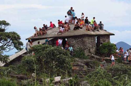 Casa-da-piramide-sao-thome-das-letras-MG