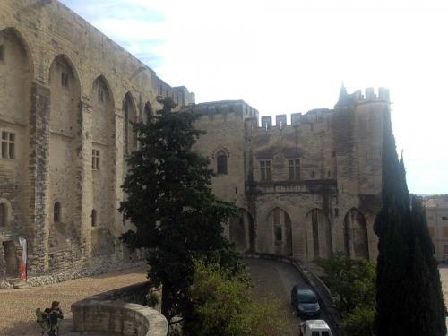 France-Avignon-2