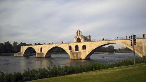 France-Avignon-pont de avignon-3